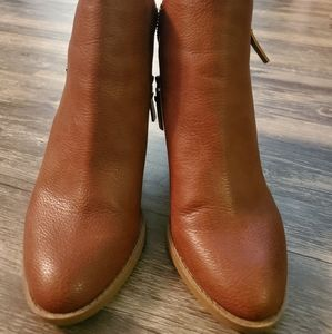 Universal Thread Boots